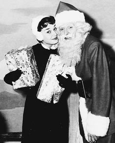 Mood of the day: Audrey Hepburn  Babbo Natale  #MCmood  #xmasvibes #xmasmood #audreyhepurn #50s via MARIE CLAIRE ITALIA MAGAZINE OFFICIAL INSTAGRAM - Celebrity  Fashion  Haute Couture  Advertising  Culture  Beauty  Editorial Photography  Magazine Covers  Supermodels  Runway Models