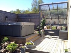 outdoor patio ideas you need to try this summer 24 Cozy Backyard, Backyard Landscaping, Backyard Pools, Pool Decks, Outdoor Spaces, Outdoor Living, Outdoor Decor, Carport Modern, Natural Swimming Pools