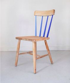 our kitchen chairs are very similar to this and I live the splash of color added to it Upcycled Furniture, Furniture Projects, Home Furniture, Furniture Design, Chair Makeover, Furniture Makeover, Painted Chairs, Painted Furniture, Diy Interior
