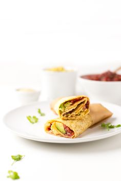 Burritos Veganos - Cuando le das el primer mordisco a estos burritos veganos sientes una explosión de sabor en tu boca. Puedes echar casi cualquier ingrediente.