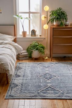 Bohemian Home Always aspired to figure out how to knit, however undecided where to start? This kind of Utter Beginner Knitting Collect. Stair Rugs, Traditional Office, Red Rugs, New Room, Interiores Design, Vintage Rugs, Interior Inspiration, Rug Inspiration, Home Remodeling
