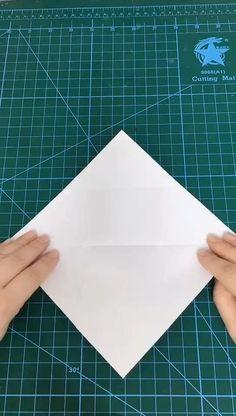 How To Fold Envelope, Fold Paper Into Envelope, How To Make Envelopes, Origami Envelope Easy, Making Envelopes, Homemade Envelopes, Envelope Book, Small Envelopes, How To Fold Notes