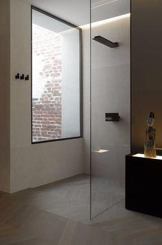 Shower in loft conversion by Bernd Gruber, Wasagasse, Vienna, 2014