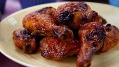 The barbecue sauce is the winning touch on this oven barbecue chicken. Oven Barbeque Chicken, Barbecue Sauce, Greek Potatoes, Pulled Pork Tacos, Soup And Sandwich, Dessert For Dinner, Stuffed Whole Chicken, Chicken Recipes, Stuffed Peppers
