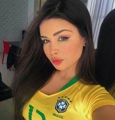 Hot Football Fans, Football Girls, Soccer Fans, Fifa Football, Hummer, Sexy Golf, Demi Rose, Brazilian Girls, Sporty Girls