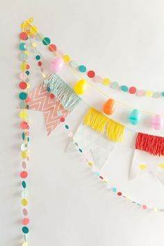 Party Girlande, Diy Girlande, Cumpleaños Diy, Diy Crafts, Wood Crafts, Diy Party Dekoration, Easter Colors, Easter Brunch, Partys