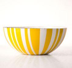 Vintage enamel bowl.