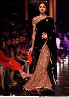 Pakistani Dresses, Indian Sarees, Indian Dresses, Indian Outfits, India Fashion Week, Lakme Fashion Week, Tokyo Fashion, Street Fashion, Indian Look
