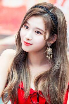 Sana Kpop Girl Groups, Korean Girl Groups, Kpop Girls, Cute Korean Girl, Asian Girl, Nayeon, These Girls, Cute Girls, Sana Kpop