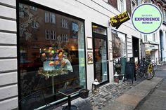 Fairbar er en non-profit café i Aarhus drevet af frivillige. Konceptet bag caféen bygger på frivillighed, bæredygtighed og kreativitet. Alt dette er pakket ind i hyggelige omgivelser fyldt med lækker mad, specialøl, fed musik og inspirerende kunst. Anbefalet af #NSFacebookFan #EXNS14 #Fairbar #SpisOgDrik