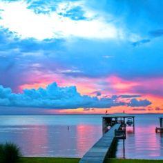beautiful scenery: lake view
