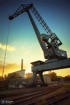 Loading Crane II