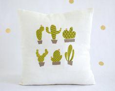 Cactus cushion cover / Decorative pillow / Taie de par HirundoShop