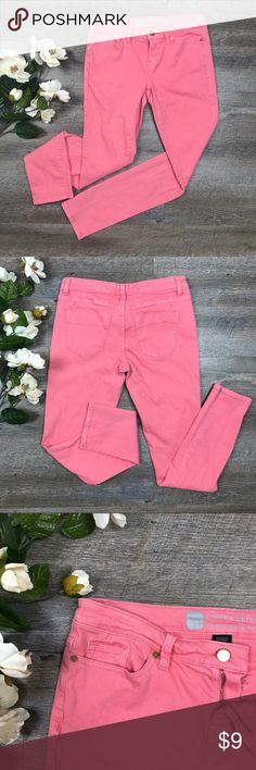 Pink Mossimo Jeans Super cute pink Mossimo jeans! In excellent condition! 98% cotton, 2% spandex. Size 4. See images for measurements. E-4 Mossimo Supply Co Jeans Skinny