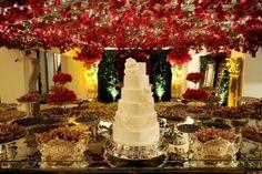 Casamento moderno decoração da mesa de doces