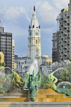 Logan Circle in Philly World's Most Beautiful, Beautiful Places, Amazing Places, Philadelphia City Hall, Best Cities, Travel Usa, The Good Place, Places To Visit, United States