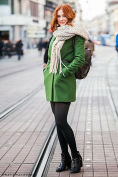 66ff2b91823e5 Green coat Winter Outfits Women