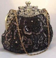 vintage purses and handbags Vintage Clutch, Vintage Purses, Vintage Bags, Vintage Handbags, Vintage Outfits, Vintage Shoes, Beaded Purses, Beaded Bags, Vintage Accessories