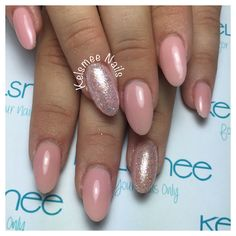 Pink gelpolish with glitterpress