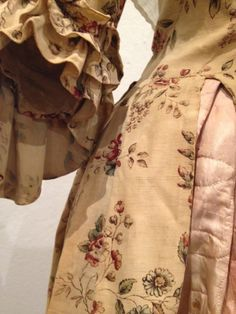 """""""From the Elegant to the Everyday: 200 Years of Fashion in Northern New England"""" March 15 through May 3, 2014, at the Saco Museum http://www.sacomuseum.org/mus_current_exhibits_temp.shtml?id=EFAEpkEEuAPuLXlAmp [Detail Gown, 1770-1790, USA, printed cotton, linen] via SilkDamask"""