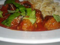 En verden af smag!: Spaghetti med Kødboller i Tomatsauce