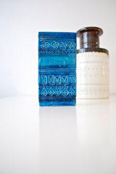 Aldo Londi for Bitossi Rimini Blu Studio Pottery Vase Italy