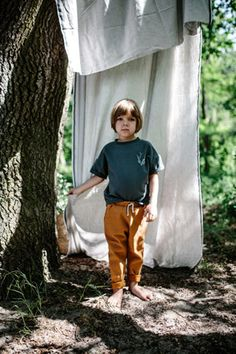 The Camel Pocket Pants are made out of organic cotton. Camel Pants, Boy Fashion, Organic Cotton, Normcore, Boys, Stark, How To Make, Clothes, Berlin