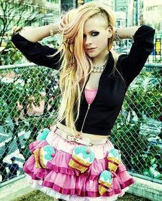 Picture of Avril Lavigne It Bag, Hello Kitty, Oprah Winfrey, Jennifer Lopez, Divas, Avril Lavigne Style, Riot Grrrl, Taylor Momsen, Taylor Lautner
