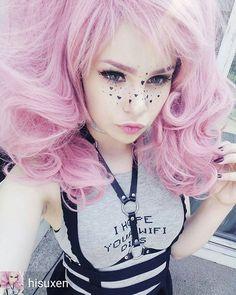 @Regrann from @hisuxen - I hope your WiFi dies. #pastelhair #cute #bjd #elfgutz #pastelgoth #werckless #pinkhair #dollmakeup #outfit #hottopic - #regrann