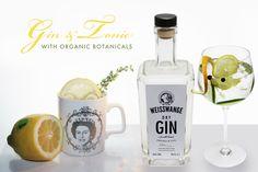 Weisswange Dry Gin Premium Gin: Made in Hamburg seit 2012  Die Besonderheit dieses Gins liegt in der Geschmeidigkeit und dem besonderen Duft. Beim Öffnen der Flasche nimmt die Nase den feinen Duft der kostbaren Essenzen wahr, die sich elegant im Raum ausbreiten. Ein feiner Geruch von Wacholder und Koriander, gepaart mit der eleganten Note von Orangenblüte und Bergamotte zeigen die charakterliche Größe, die den Kenner und Liebhaber beim ersten Tropfen erwartet.