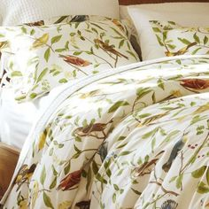 Bird Motif Duvet Cover Set. Shabby Chic Bedding. Cottage bedding. Country bedding. Wedding bedding. Romantic bedding.