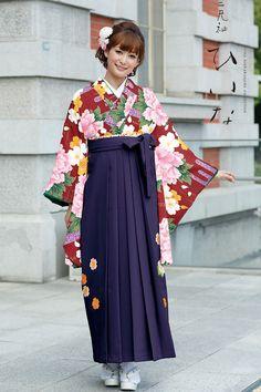 古典柄袴 エンジ色 古典系袴 Style 卒業式の袴Styleは女の子の特別な1日!友達と差をつける!!