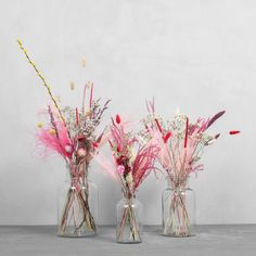 Dried Flower Arrangements, Flower Vases, Dried Flower Bouquet, Dried Flowers, Flower Decorations, Wedding Decorations, Appartement Design, Flower Meanings, Pink Aesthetic