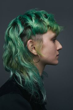 """Isabel Alsina-Reynolds - """"I would describe my hairstyle as: Murky, Cosmic"""" - Cult Hair by INFRINGE - dedicated to capturing London's diverse hairstyles. Mullet Haircut, Mullet Hairstyle, Hairstyles With Bangs, Pretty Hairstyles, Hair Inspo, Hair Inspiration, Short Grunge Hair, Short Punk Hair, Edgy Hair"""