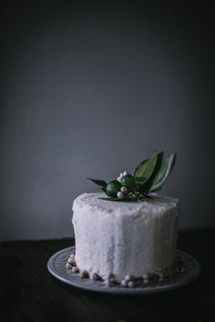 Lemon Lover's Dream Cake from 'Lomelino's Cakes' | Eva Kosmas Flores