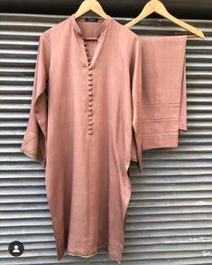 Salwar Designs, Kurta Designs Women, Kurti Designs Party Wear, Blouse Designs, Stylish Dress Designs, Designs For Dresses, Stylish Dresses, Fashion Dresses, Simple Pakistani Dresses