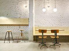 Flexo Arquitectura > Hamburguesería Oval. Barcelona