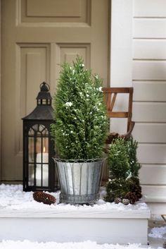 I love Christmas Christmas Feeling, Green Christmas, Scandinavian Christmas, Outdoor Christmas, Winter Christmas, Christmas Time, Christmas Window Decorations, Holiday Decor, Christmas Inspiration