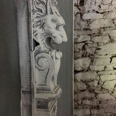 Chalk Paint® by Annie Sloan in Old White and Paris Grey painted on a lion's head pilaster. Gray Chalk Paint, Using Chalk Paint, Chalk Paint Colors, Chalk Paint Furniture, Annie Sloan Chalk Paint, Annie Sloan Paris Grey, Annie Sloan Old White, Beautiful Space, Colours