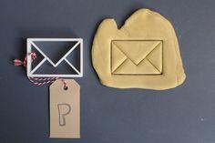 Envelope cookie cutter printed by Printmeneer on Etsy, Fancy Cookies, Cute Cookies, Cake Pops, Fondant, Chocolate Caliente, 3d Prints, Cool Inventions, Cookie Exchange, Cute Food