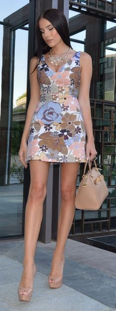 Little Floral Dress Chic Style by Laura Badura Fashion