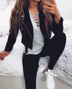 30 Chic Fall / Winter Outfit Ideas – Street Style Look. - Street Fashion, Casual Style, Latest Fashion Trends - Street Style and Casual Fashion Trends Cute Outfits With Jeans, Outfit Jeans, Casual Outfits, Party Outfit Casual, Teen Party Outfits, Dress Outfits, Grey Shirt Outfits, Dress Casual, Winter Party Outfits
