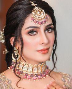 South Indian Bride Jewellery, Indian Makeup Looks, Indian Bridal Photos, Desi Wedding Dresses, Bridal Dresses, Antique Jewellery Designs, Teen Girl Poses, Ayeza Khan, Indian Fashion Dresses