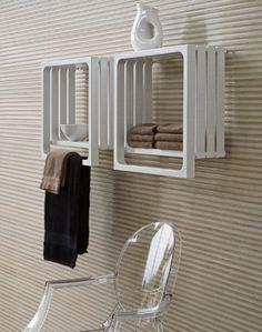 Radiador secatoallas de agua caliente / eléctrico / cuadrado / para cuarto de baño ELEMENTS: MONTECARLO by Peter Jamieson TUBES