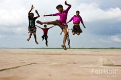 Kids - Jumping - Photographed by Anil Kumar - India - FairMail - Fair Trade Photos - IALK-0392