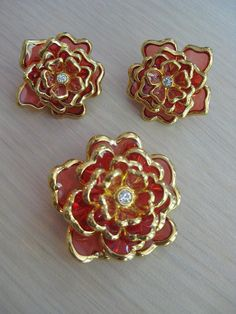 Vintage JOAN RIVERS Coral Peach Molded Czech Glass & Gold Tone Flower Brooch and Matching Earrings ~ Designer Signed Estate Jewelry