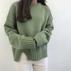 Korean Fashion Trends you can Steal – Designer Fashion Tips Korean Aesthetic, Aesthetic Girl, Aesthetic Clothes, Aesthetic Green, Aesthetic Fashion, Grunge Style, Soft Grunge, Slytherin, Ulzzang