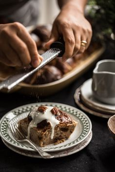 Hot Cross Bun And Nutmeg Tray Bake *