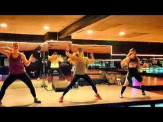 Mueve La Cintura by El Chevo ft Papayo, Dance Fitness, Zumba Fitness ® - YouTube