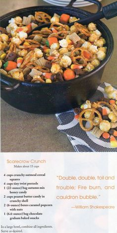 Scarecrow crunch - full and easy snack mix for Halloween. We added little Halloween colored gummy worms too! Halloween Snacks, Hallowen Food, Happy Halloween, Halloween Halloween, Halloween Goodies, Halloween Trail Mix Recipe, Easy Halloween Desserts, Halloween Camping, Halloween Costumes